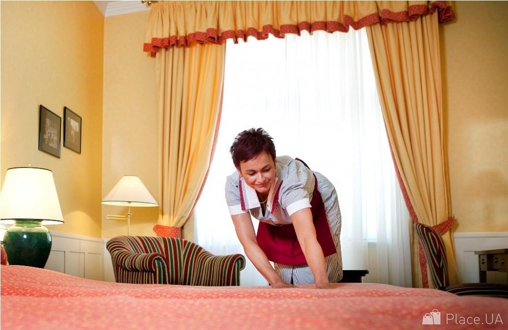 Великой Отечественной вакансии горничной в ночь домохозяйка Лэни Брукс