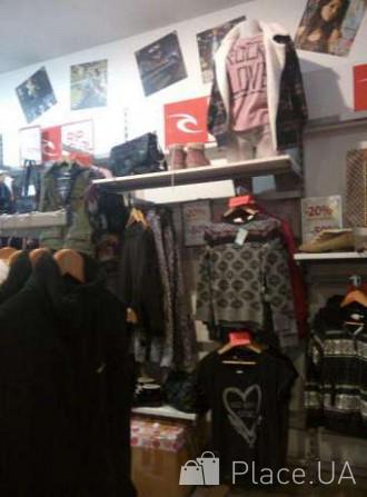 Розпродаємо торгові стелажі та стійки під одяг або взуття Киев -  изображение 2 d53e92627b32e